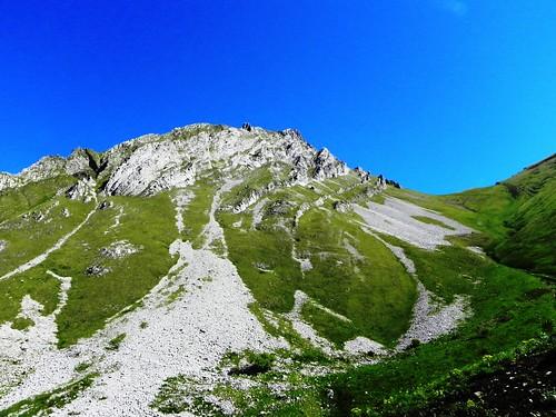Montée au Mont d'Armenaz à droite du Pécloz - 018