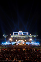 IMG_0606 (philippbreu.com) Tags: schnbrunn vienna wien music june juni austria sterreich concert musik konzert openair gloriette klassik schlossschnbrunn 2011 philharmoniker wienerphilharmoniker sommernachtskonzert
