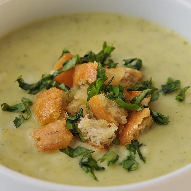sopa de courgette