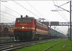 Neelachal express!!! (Raj Kumar (The Rail Enthusiast)) Tags: india industry express kashmir kolkata raj ganga puri bhel kumar bihar howrah jharkhand patna bhubaneshwar 22314 dhanbad sealdah jhansi rajdhaniexpress orrisa 22722 22750 24517 30279 ndls bhaga damodar wap4 wag7 wap7 neelanchal patherdih jammutavi