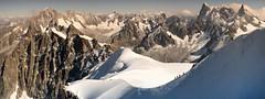 """""""La montagne nous offre le décor ... A nous d'inventer l'histoire qui va avec !"""" (jean paul lesage) Tags: montblanc chamonix aiguilledumidi glaciers alpes alps grandesjorasses alpinisme alpinistes"""