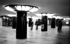 Budapest 2011 (Oncle Francis) Tags: hungary metro budapest 400 hp5 papier ilford cellule