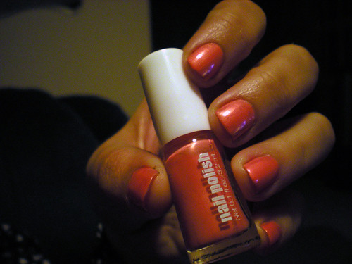 h&m spring nails coral 2011