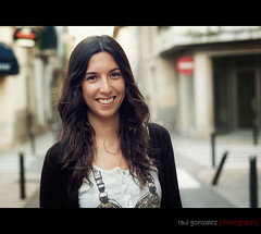 streetportraits#26 (raul gonza|ez) Tags: portrait people beauty face inca mujer gente bokeh retrato sonrisa rostro streetshot streetportraits balears expresion a700 minolta50mm retratocallejero