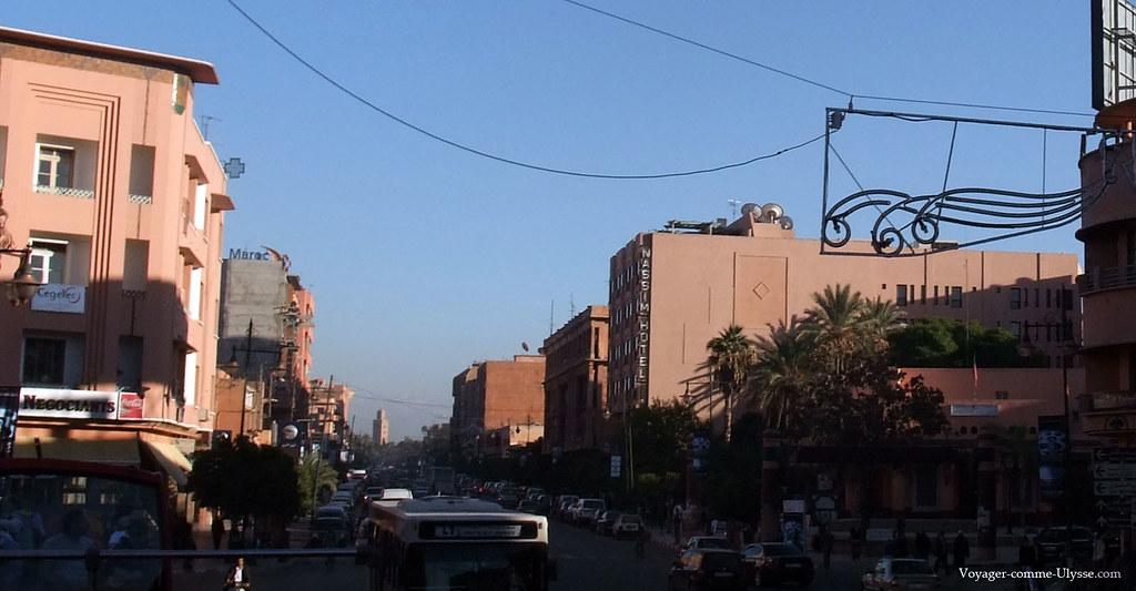 Tout au bout de l'avenue, la Koutoubia