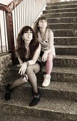 Aire rebelde (Nanihta (Sol Vzquez)) Tags: madrid girls portrait espaa art sol stairs photoshop gum photography interesting spain sony teenagers nike explore chicas bubblegum eighties escaleras fotografa vazquez youngwomen vzquez nanah explored nanihta