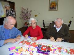 Dobradura 13 abril 2011 (ResidenceCare) Tags: de casa origami care residence idosos recreao repouso
