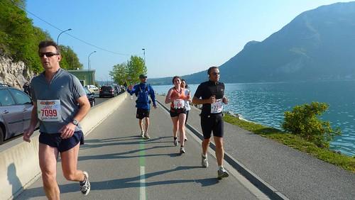Marathon d'Annecy Anne et Danielle FINISHERS 17 avril 2011 087