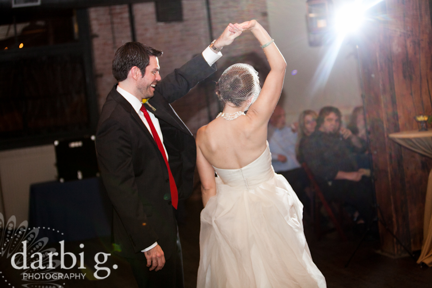 Darbi G Photography-Kansas city wedding photographer-hobbs building-DarbiGPhotography-041611-CaitJeff-w-6-194-1