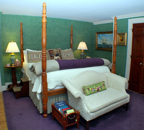 King-Size 4-Poster Bed in the Callender Room