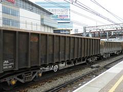4409 3476 Stratford 150411 (Dan86401) Tags: stone wagon open stratford bogie gers jna vtg 3476 4409 gerailservices boxwagon