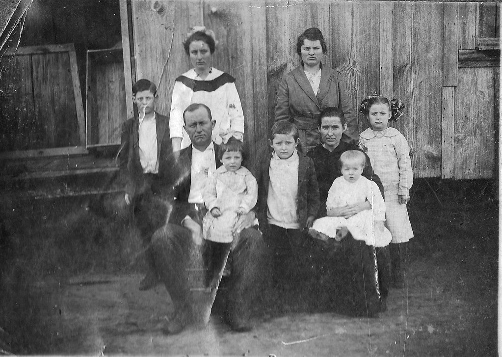 Thomas Hardy and Rebecca Jane Smith Mathis Family