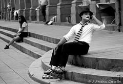 Mimo o descanso? (By  Jess Jimnez) Tags: people detalle byn portugal canon photography exterior jc braga jess repblicaportuguesa 450d canon450d canoneos450d kdds n309 kddsvigo jessjimnezcarceln estradanacional309 jessjcphotography