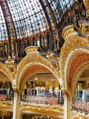 Galleries Lafayette, Paris (williamcho) Tags: paris france classic tourism fashion architecture photoshop interior traditional icon shoppingmall perfumes megamall attraction digitalenhancement gallerylafayette departmentalstore topazlabadjust williamcho sonydscwx1 patrickcheah