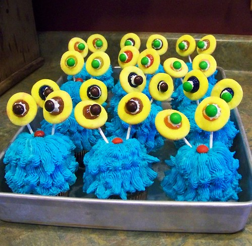 Monster cupcakes!!
