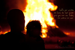 San Xon (Os Tartarouchos) Tags: contraluz fire spain galicia sanjuan fuego lugo backlighting fogueira 50mm18 hoguera lume lvm sanxon gettyimagesiberiaq3 gettyiberiasummer