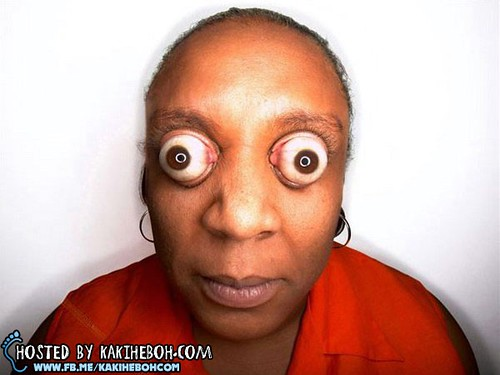 Worlds-Biggest-Eyes-Kim-Goodman