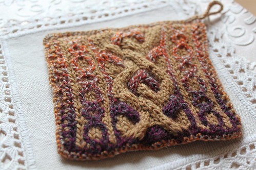 Reversible Aran Potholder