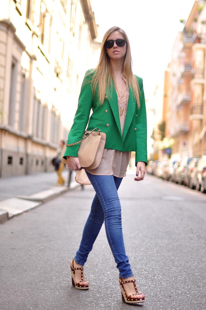 какой стиль одежды вы носите покажите фото по- разному освещённые
