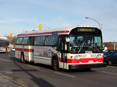 TTC 2246 (F. Poon) Tags: toronto west bus vintage lawrence gm ttc fishbowl transit newlook commission