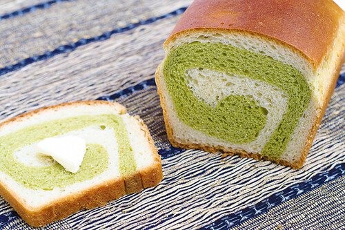 Green Tea (Matcha) Swirl Bread