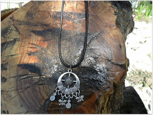 Colar pendente metalico by Fuxiquices-da-isa