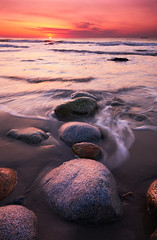 Ducks in a Row (moe chen) Tags: ocean seascape beach me sunrise landscape dawn sand nikon rocks maine sigma wells moe 1020mm chen