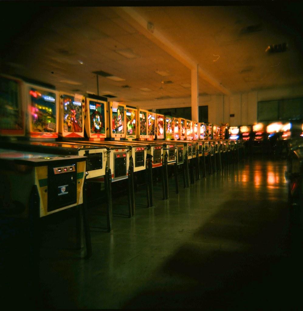 vintage pinball machines details