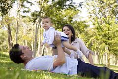 (Angelita Niedziejko) Tags: family light portrait baby green love girl brasil canon happy couple cut famlia lovely londrina