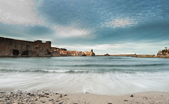 _DSC0070 (G.V Photographie) Tags: longexposure sea sky cloud mer seascape reflection art beach water rock sand eau village artistic sable wave pebble reflet ciel shore collioure nuage vagues southoffrance plage rocher cadre artistique languedocroussillon frenchriviera galets pyrnesorientales poselongue seascpae suddelafrance marcandr2figueres