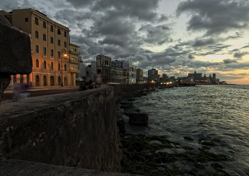 Curved Sunset.....Malecon Habana by Rey Cuba