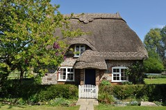 Chocolate Box Cottage (dawn.v) Tags: uk england rural dorset april bankholiday goodfriday thatchedcottage englishvillage chocolateboxcottage thetarrants