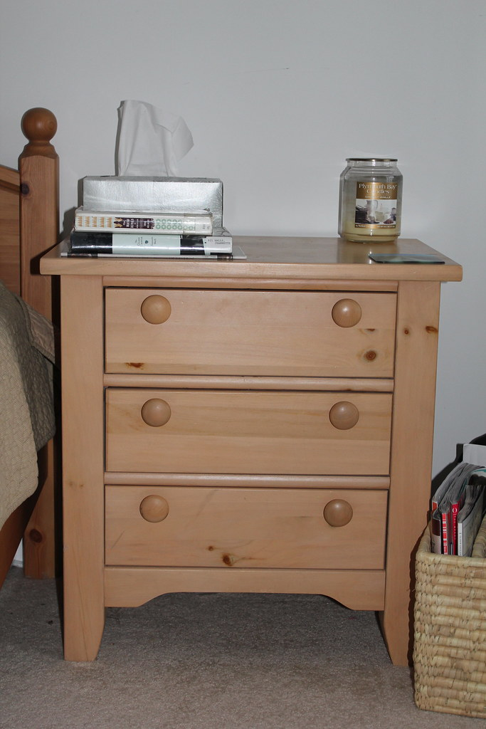 Broyhill Premere Collection 3-drawer nightstand - $75