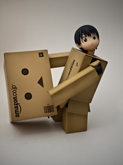 04.28.2011 (greenplasticamy) Tags: project lumix japanese robot amazon day box mini daily panasonic every cardboard micro photoaday 20mm 365 everyday 43 kaiyodo miura yotsuba danbo amazoncojp gf1 mft project365 365days revoltech hayasaka enjoyeverything danboard micro43 microfourthirds minidanboard minidanbo miurahayasaka dmcgf1