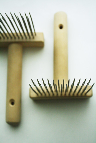 Hand combs