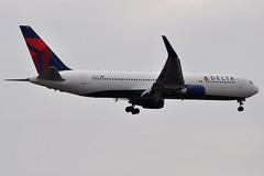 Delta Air Lines - Boeing 767-300ER - N1612T - John F. Kennedy International Airport (JFK) - April 18, 2011 123 RT CRP (TVL1970) Tags: airplane geotagged nikon aircraft aviation delta jfk boeing airlines ge 767 airliners jfkairport winglets generalelectric boeing767 kennedyairport b767 767300 deltaairlines gp1 d90 767332 767300er johnfkennedyinternationalairport b763 cf680 boeing767300 cf6 jfkinternational kjfk nikond90 nikkor70300mmvr 70300mmvr 767332er themounds boeing767300er generalelectriccf6 n1612t aviationpartners nikongp1 cf680c2b6f 767300erwl 767332erwl