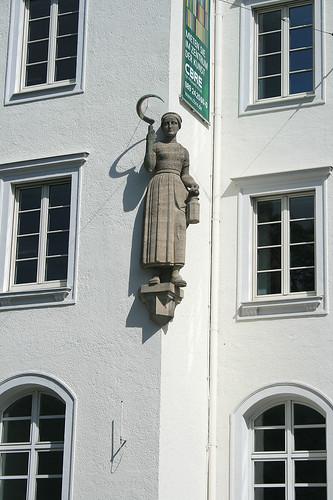 Sichelfrau - Brandhorst Museum Türkenstraße