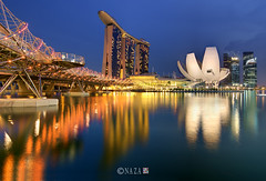 Helix Bridge, Marina Bay Sand and ArtScience Museum (naza.carraro) Tags: bridge marina photoshop hotel bay sand nikon singapore dynamic lotus lasvegas sails casino esplanade helix range tiff dri increase spore singapura mbs raffles marinasquare moshesafdie cs4 16bit marinabay d90