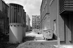 Side alley. (wojszyca) Tags: city urban architecture zeiss t poland contax carl g2 100 rodinal katowice 45mm planar 1125 245 efke standdevelopment 55min r09