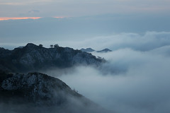 One last day gift (RuiFAFerreira) Tags: landscape sky clouds fog mountains covadonga picos picosdeeuropa asturias spain mood blue hour canon 50mm sunset