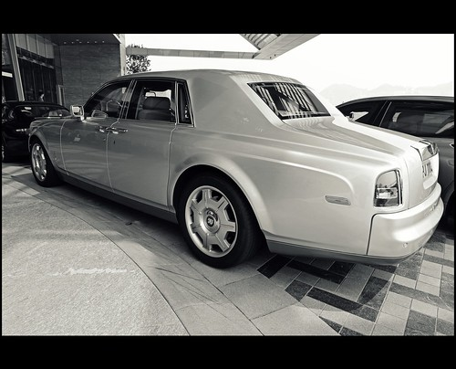 Rolls Royce Phantom // @ The Ritz-Carlton Hotel // International Commerce