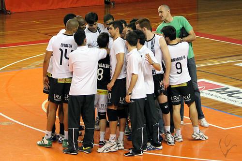 Voleibol: Vitória 3-2 Leixões