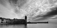 _DSC01nb19 (G.V Photographie) Tags: longexposure sea sky blackandwhite cloud mer reflection water eau village noiretblanc wave reflet ciel shore collioure nuage vagues southoffrance poselongue seascpae suddelafrance