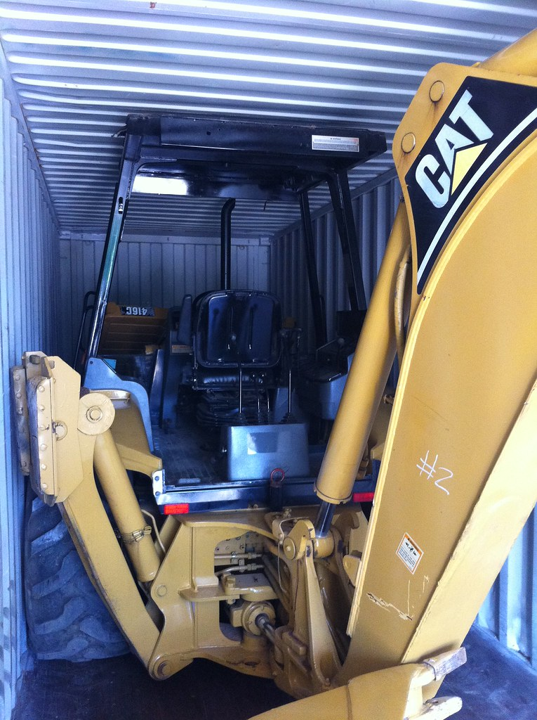CAT 416 and a Roller in a 40 HQ by Big Iron (4)