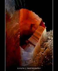 Pasaje al inframundo (Rene Elyuth Castillejos) Tags: mxico puebla exconventodesanfrancisco sonyalpha700 elyuth escalerasluz