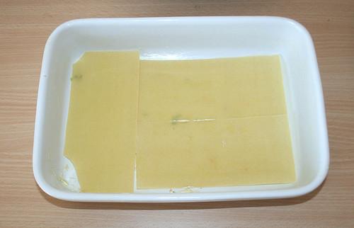 29 - Mit Lasagneplatten belegen