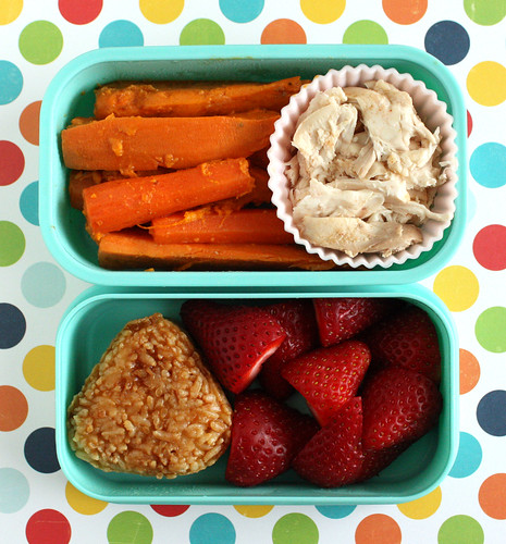 Toddler Bento #105: April 18, 2011