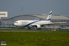 4X-ECB - 30832 - El Al Israel Airlines - Boeing 777-258ER - Luton - 110424 - Steven Gray - IMG_4816
