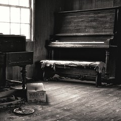 Ms. Lou's Music Parlor (Baab1) Tags: blackandwhite bw rot beer monochrome sepia nikon decay maryland textures dishes pianos oldhouses musicalinstruments windowlight d300 southernmaryland farmhouses calvertcountymaryland 1755nikkor niksoftware loujones louisejones uprightpianos huntingtownmaryland apertureiphoto marylandfarms oldpianos mygearandme phillipjonessr