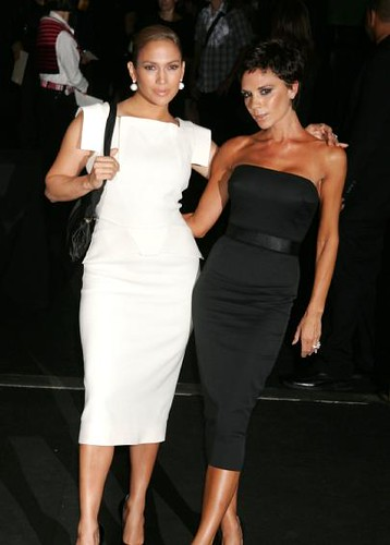 victoria_beckham_with_a_new_haristyle_and_the_new_friend_jennifer_lopez